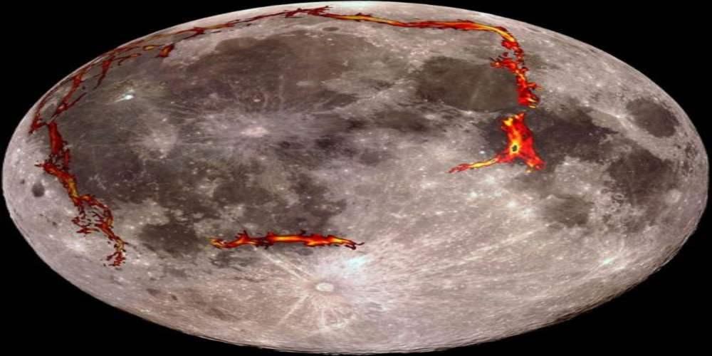 Luna prezinta activitate geologica