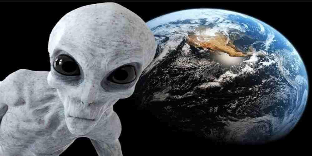 extraterestrii ne urmaresc din galaxii